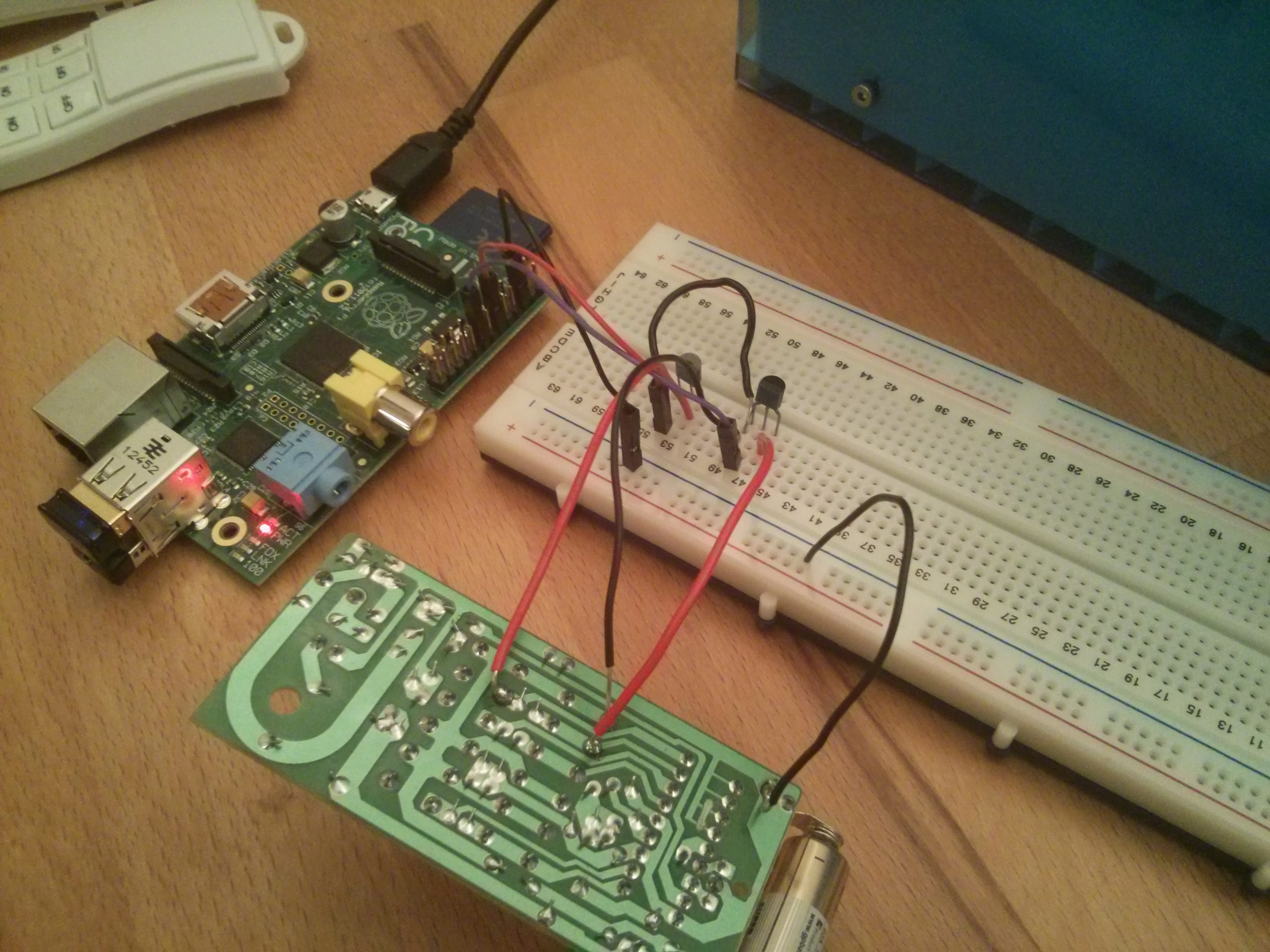 Make an Internet Controlled Lamp with a Raspberry Pi and Flask